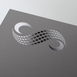 S Logo auf grauer Fläche